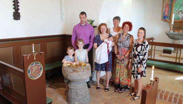 Dåb i Albæk kirke den 3. juni 2018